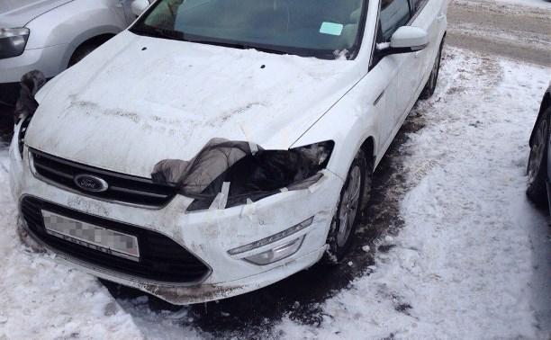В Туле ночью вскрыли несколько машин