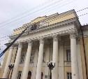 Кровлю здания бывшего ДКЖ отремонтируют