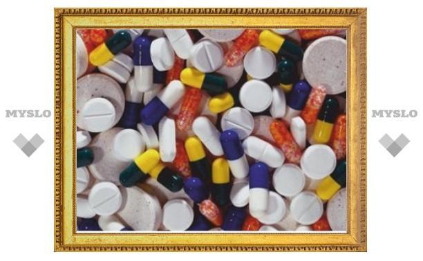 Медведев собирается запретить рекламу лекарств