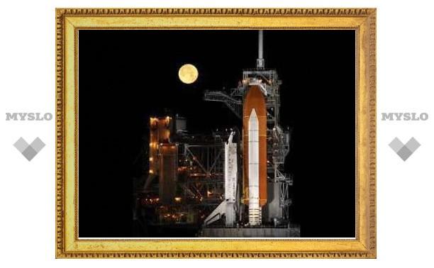 Глава NASA заявил о необходимости дополнительного полета шаттла в 2011 году