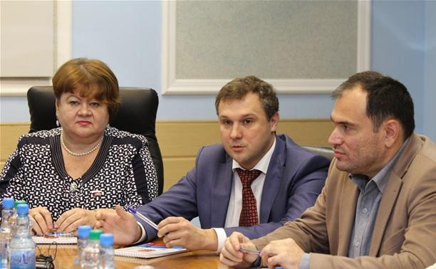 Тульские депутаты ответили на каверзные вопросы студентов-политологов