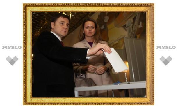 Губернатор Тульской области отдал свой голос на выборах Президента 2012