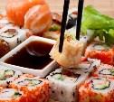 Роспотребнадзор призывает не есть роллы и суши с сырой рыбой