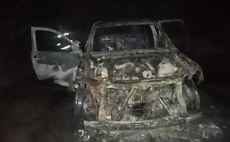 В Заокском районе в СНТ ночью сгорел Jeep Grand Cherokee