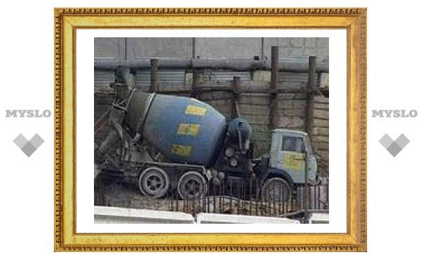 """Лужков опасается, что высокие цены на цемент """"угробят"""" нацпроект """"Доступное жилье"""""""