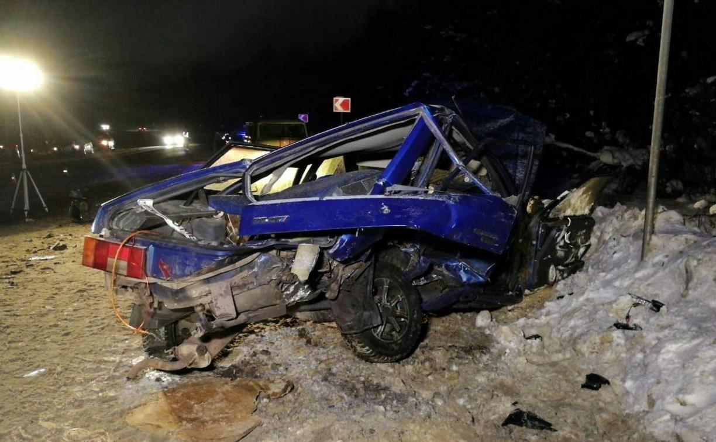 В ДТП под Тулой погиб полицейский и пострадали трое его коллег: фоторепортаж