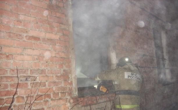 В Кимовске пожарные спасли из огня двух человек