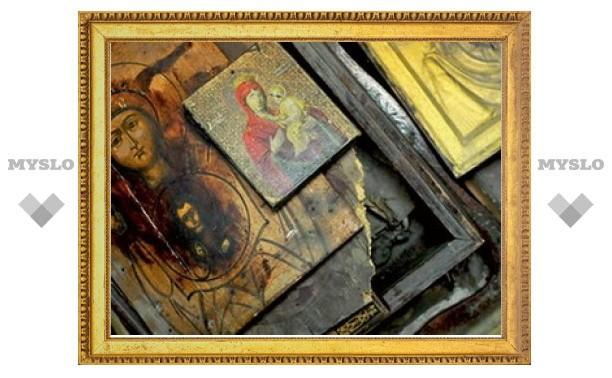 Под Тулой взломщик вынес из квартиры 7 икон