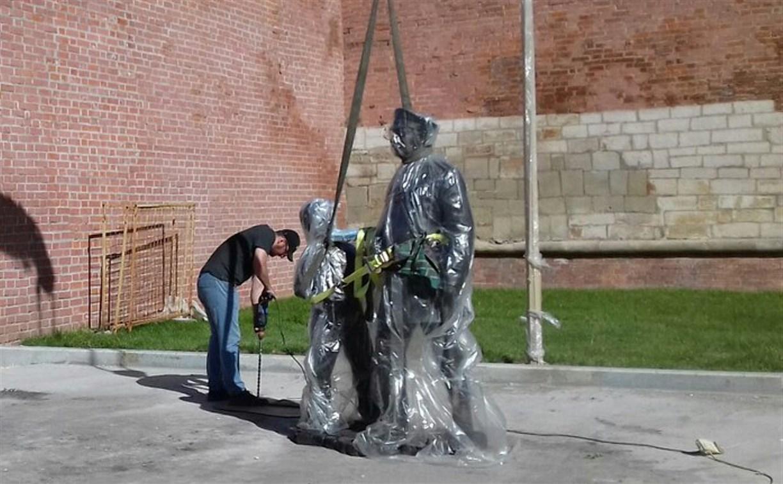 В Тулу доставили скульптуру городового