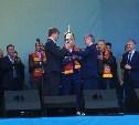 Президент ФНЛ вручил «Арсеналу» кубок
