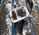 В столовой Тульского педуниверситета дыру в крыльце «починили» старым стулом