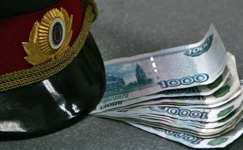 В Суворовском районе бывшего сотрудника ДПС осудят за взятку