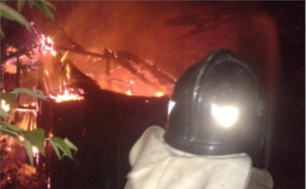 Ночью три пожарных расчёта тушили жилой дом в Кимовске