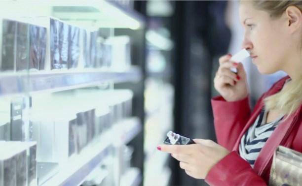 24-летняя девушка воровала из магазина парфюмерии