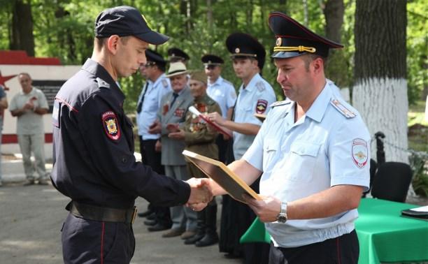 Полицейские, нашедшие двоих пропавших детей и задержавшие подростков-вандалов, получили награды