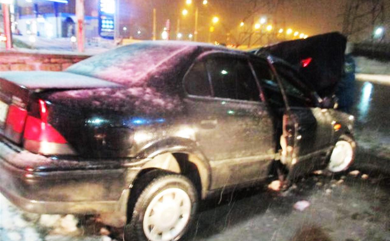 В Туле на ул. Ложевой водитель влетел в бетонное ограждение