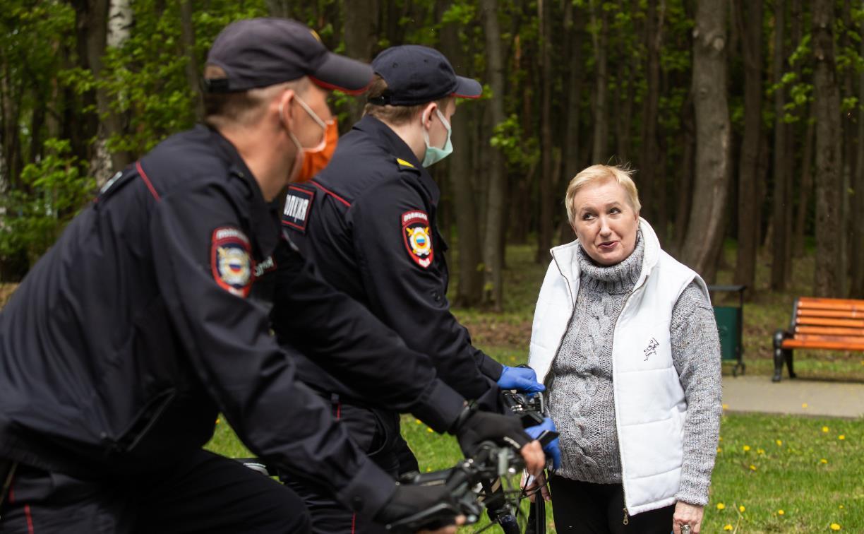 Полицейские напоминают тулякам о соблюдении «масочного режима»: фоторепортаж