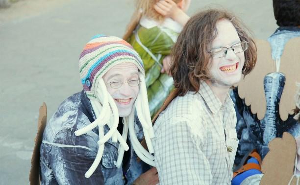 Туляков приглашают на бесплатные занятия по клоунаде и хождению на ходулях