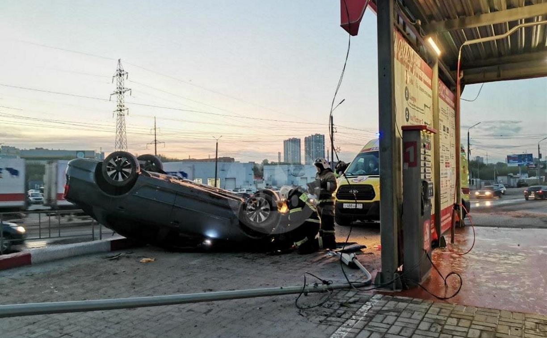 Момент ДТП с «перевертышем» возле автомойки в Туле попал на видео