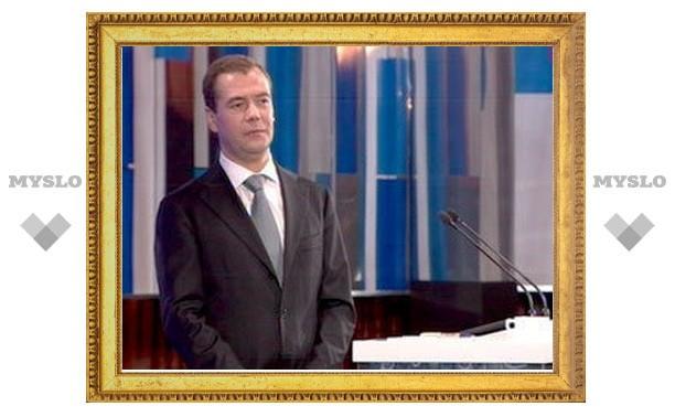 Медведев предрек правительству существенное обновление