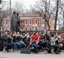 В Кремлевском саду играет оркестр