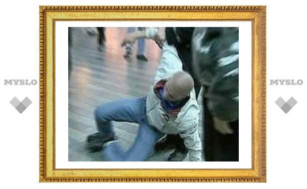 В московском метро двое кавказцев ранили ножом жителя Подмосковья