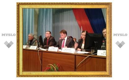 Донской будет жить без главы администрации до сентября 2013 г.