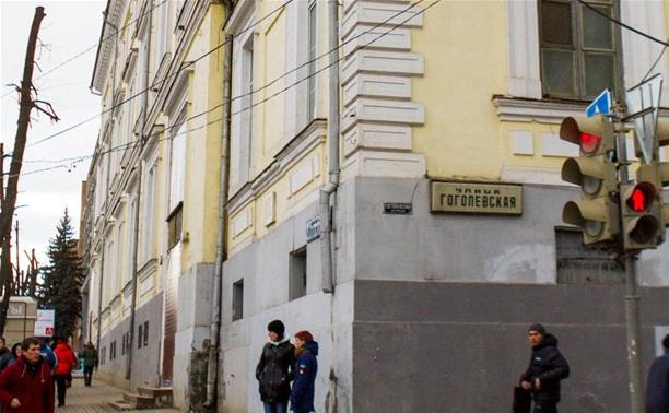 К 9 Мая закончат реставрацию в малом зале Дома офицеров