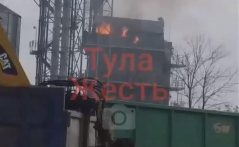 На веневском предприятии произошёл пожар: загорелась шелуха от рапса