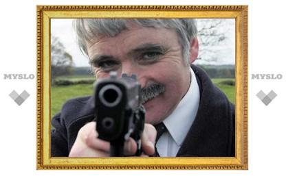 Министр обороны Ирландии ушел в отставку из-за вопроса о публичном доме