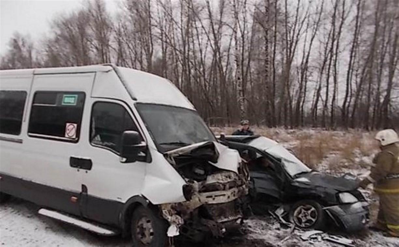 Под Тулой в ДТП с пассажирским автобусом погибли два человека