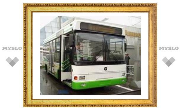 В Туле автобус попал в аварию