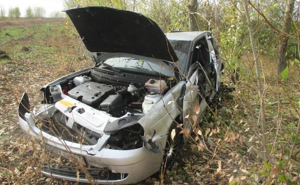 В Каменском районе мужчина погиб в перевернувшейся «Ладе Приоре»
