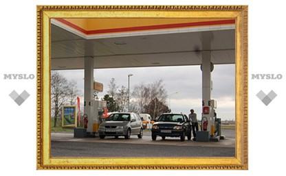За два дня бензин в Москве подешевел почти на рубль