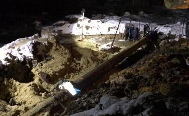В посёлке Молодёжный под Тулой вновь ремонтируют трубопровод