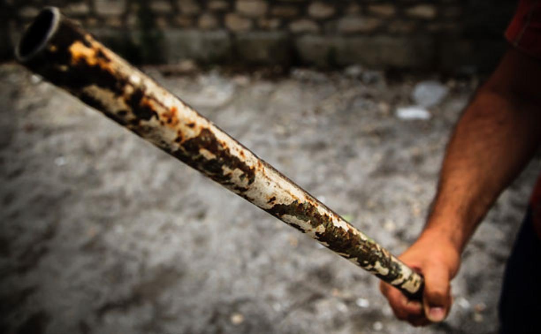 В Тульской области преступник с железной трубой проник в квартиру и напал на мужчину