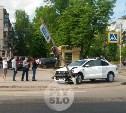 На ул. Ложевой в Туле легковушка снесла светофор