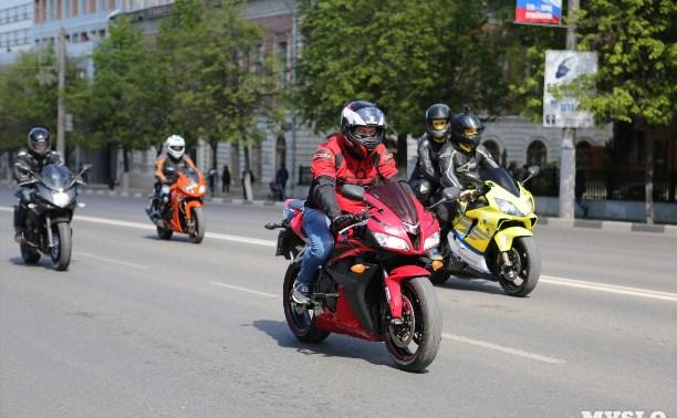 Тульские мотоциклисты проводят «Арсенал» в Премьер-лигу