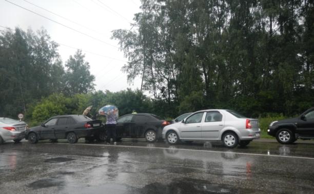 Из-за ошибки автоледи под Тулой столкнулись четыре легковушки