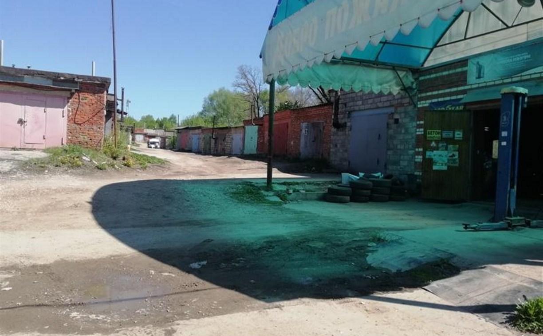 В Алексине водитель «Киа», заезжая в гараж, сбил пешехода