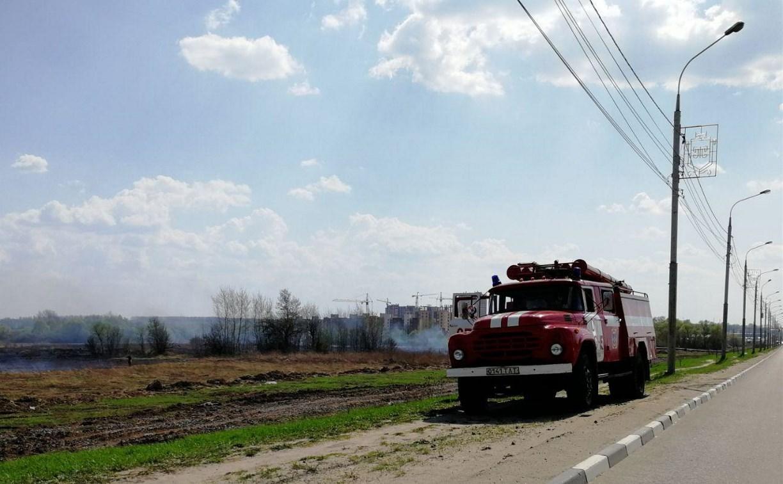 В Туле возле Суворовского училища дежурят пожарные