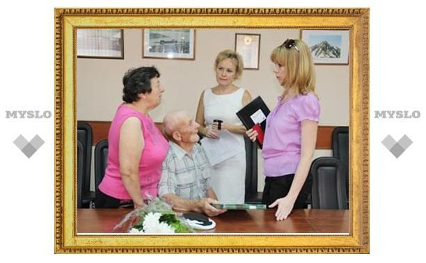 В Новомосковске продолжают заботиться о ветеранах