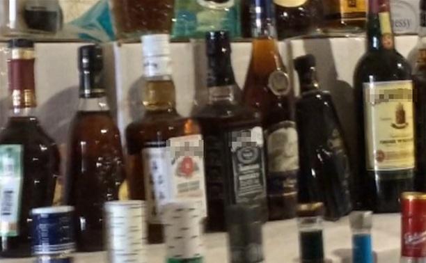 """В Новомосковске полиция """"накрыла"""" склад с поддельным алкоголем"""