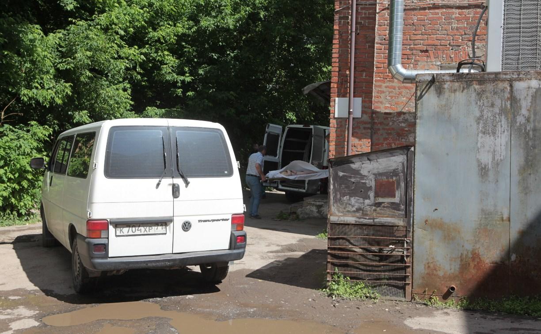 Тульский морг на улице Дрейера выдает родственникам голых покойников