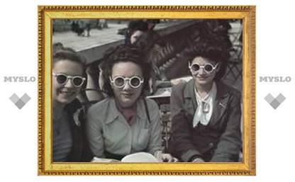 Выставка беззаботных фото оккупированного нацистами Парижа