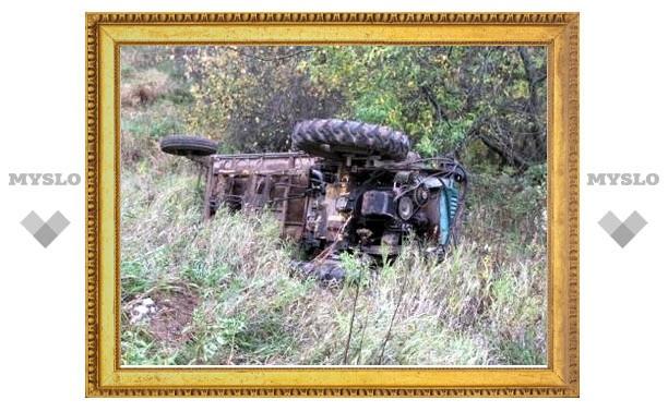 Под Тулой под собственным трактором погиб тракторист