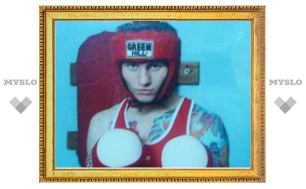 Перед самоубийством боксер отправил любимой прощальное SMS