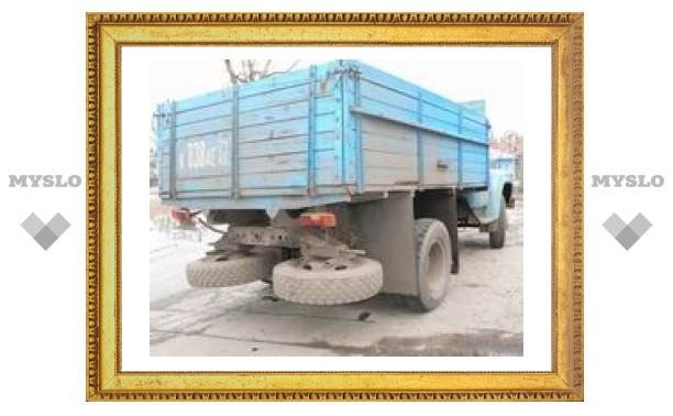 В Туле грузовик насмерть сбил пешехода
