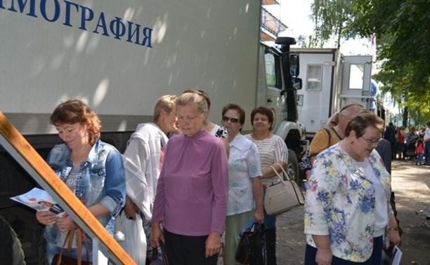 Воловчане воспользовались возможностью узнать о своём здоровье у московских врачей