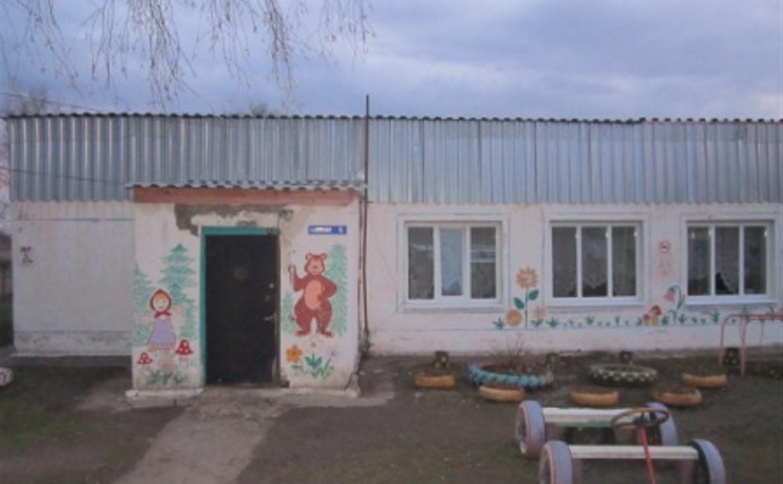 В Тульской области порывом ветра снесло крышу детского сада